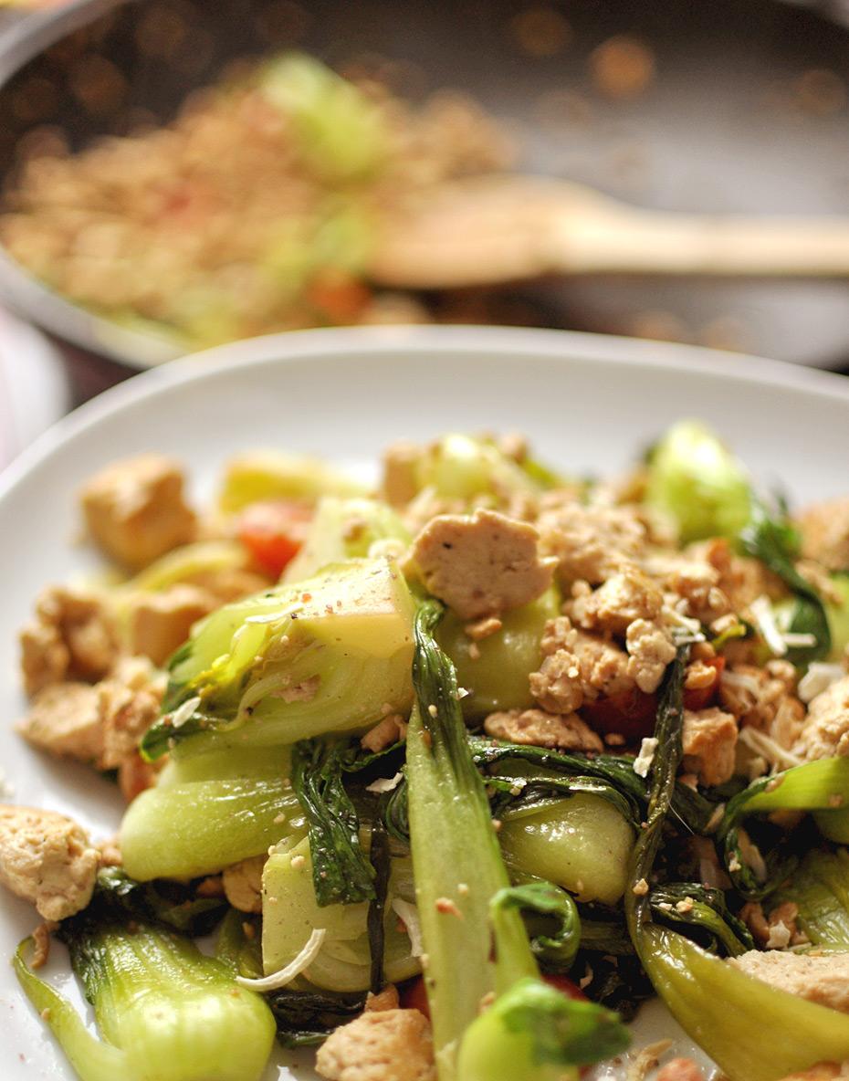 Tofu Scramble mit Pak Choi | Vegan, LC, WW