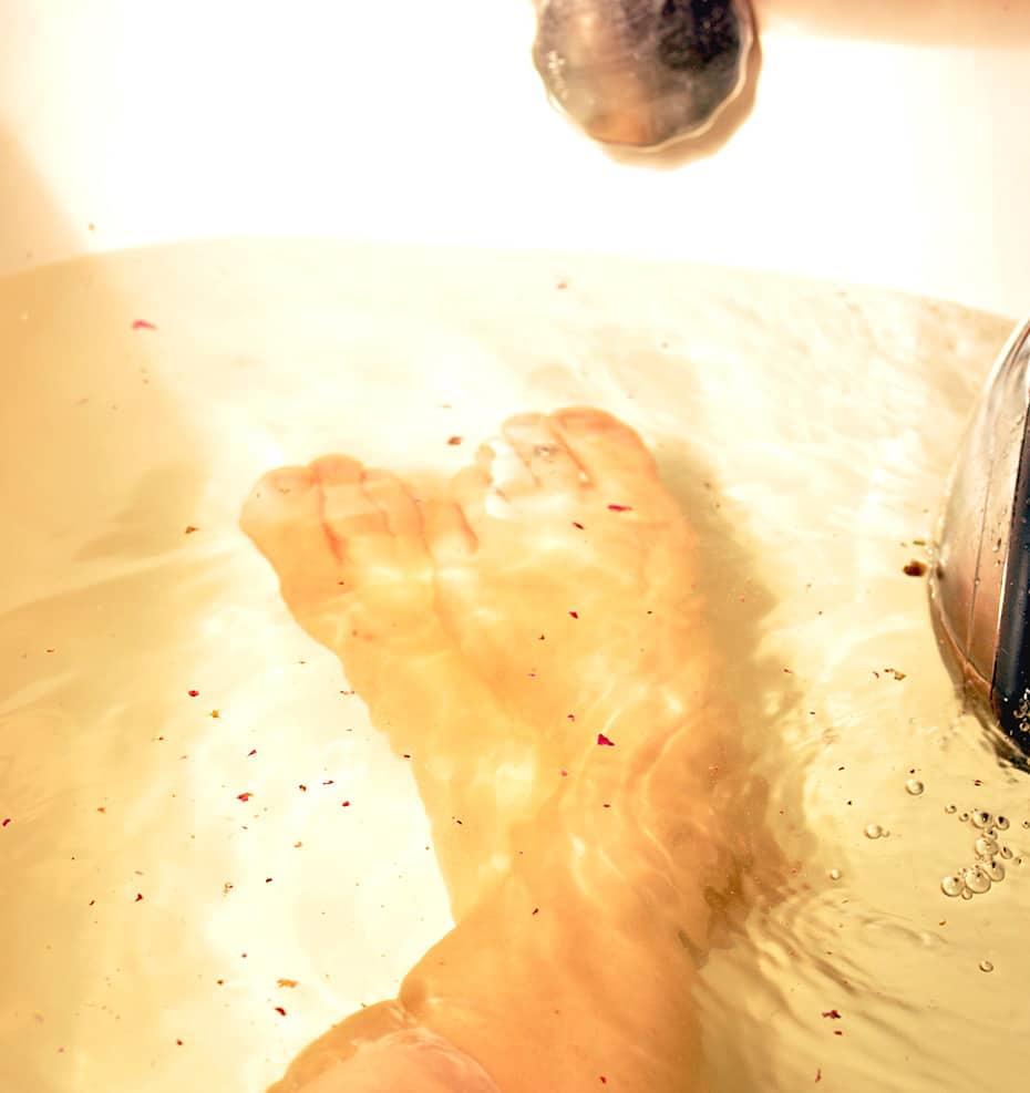 Rosenduftiges Göttinnen Badesalz selber machen |Schwatz Katz