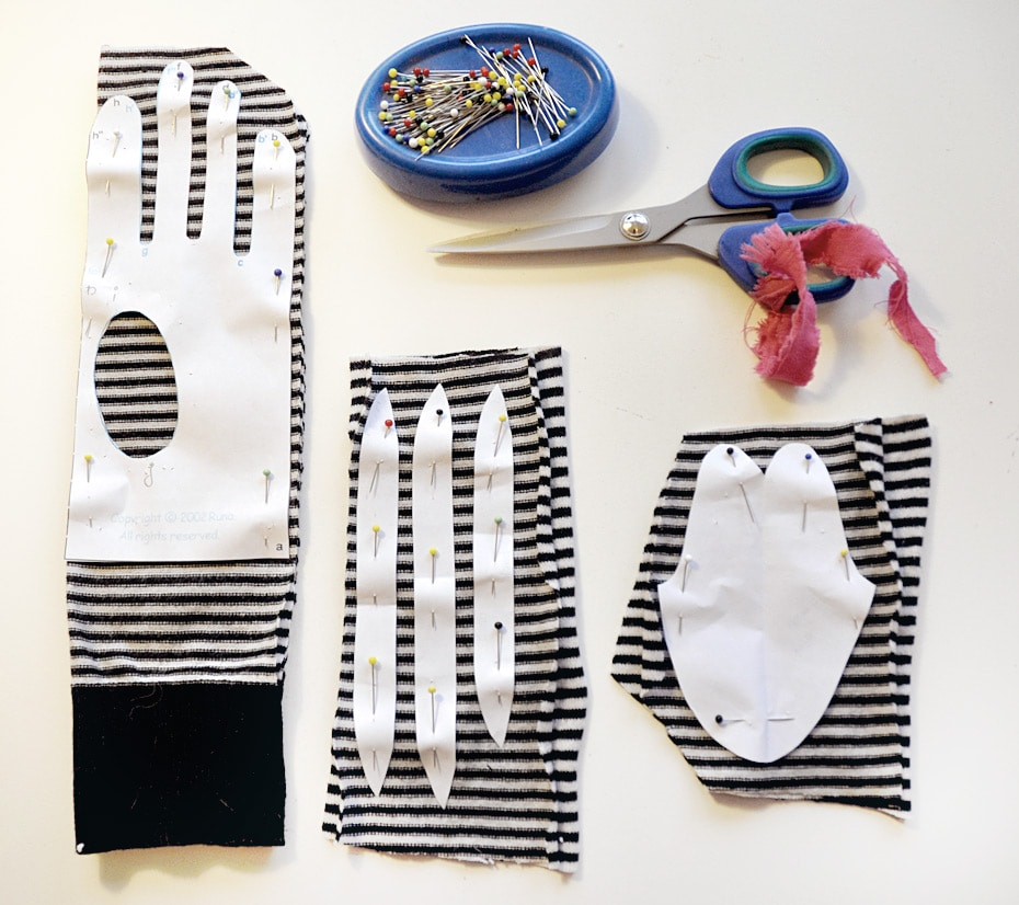 Upcycling: Shirt goes Fingerhandschuhe