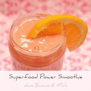 Superfood Smoothie ohne Banane & Milch | Schwatz Katz