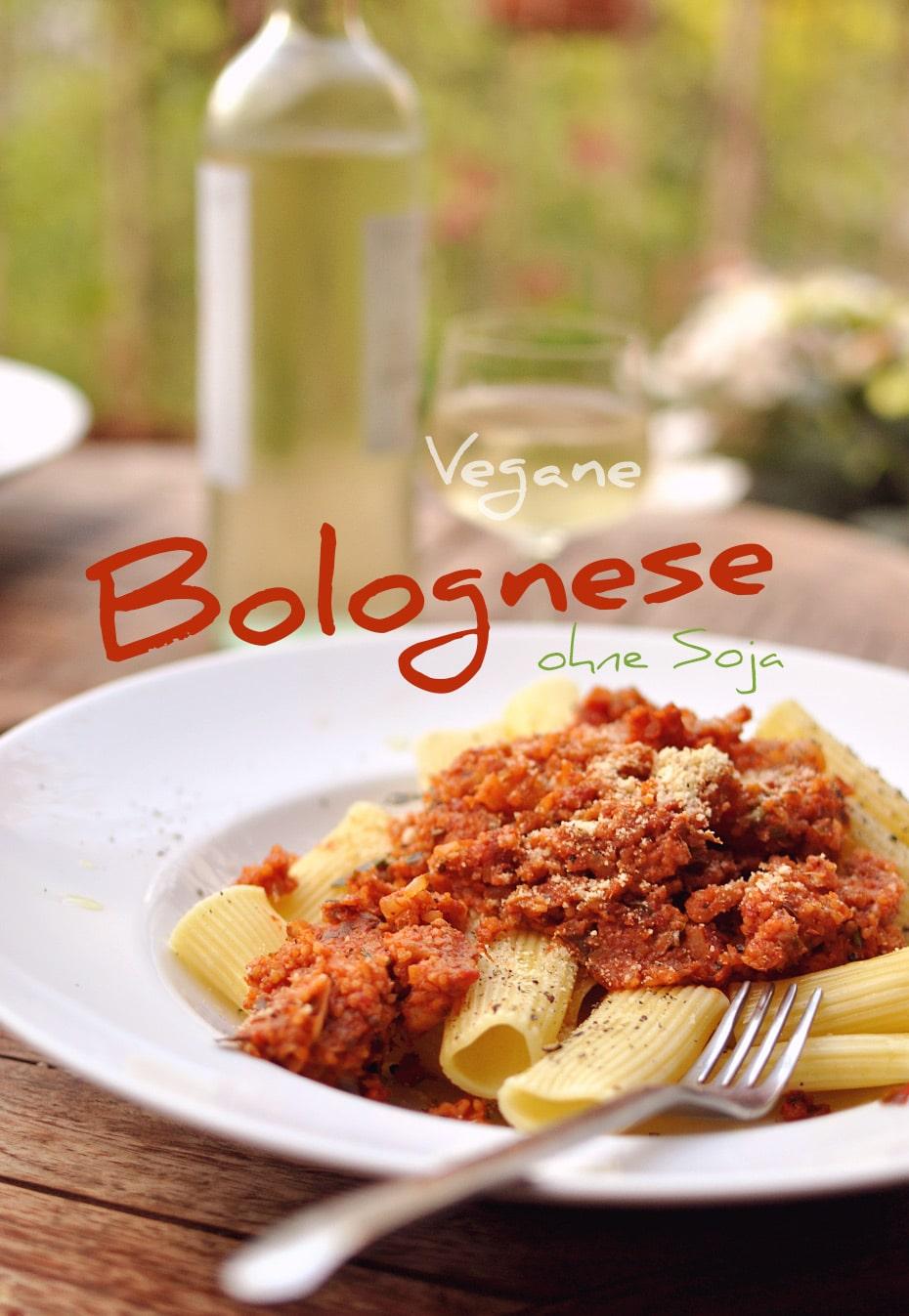 Vegane Bolognese ohne Soja über Pasta   Schwatz Katz