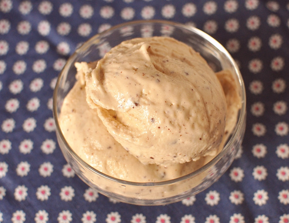 Erdnuss Schoko Crunch Vegan Eiscreme   Schwatz Katz