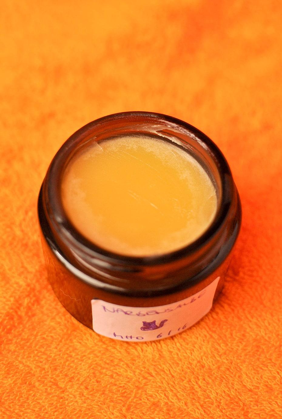 Narbenbalsam mit Wildrosenöl und Rosmarin | Schwatz Katz