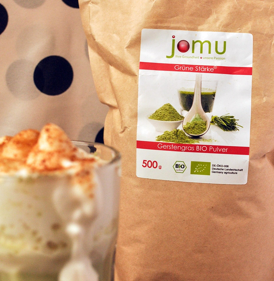 Gerstengras Latte mit Kokosblütenzucker