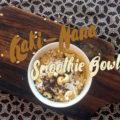 Kaki-Nana Smoothie Bowl mit Kakao-Nibs