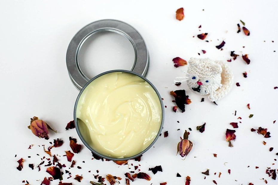 Vegane Cold Cream klassisch aus Rosenwasser und Olivenöl | Schwatz Katz
